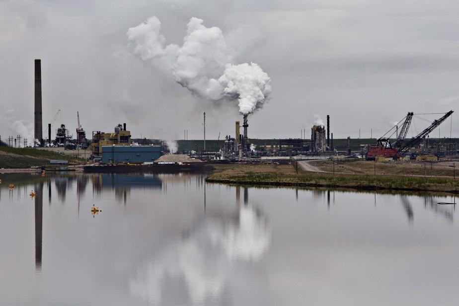 Moins de surveillance environnementale sur les sites de sables bitumineux