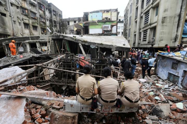 Effondrement d'un immeuble en Inde: 39 morts, selon un nouveau bilan