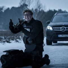 """Mercedes-Benz im neuen Kinofilm """"Hot Dog"""" mit Schweiger und Schweighöfer: Mit dem GLS auf der Jagd nach den Entführern"""