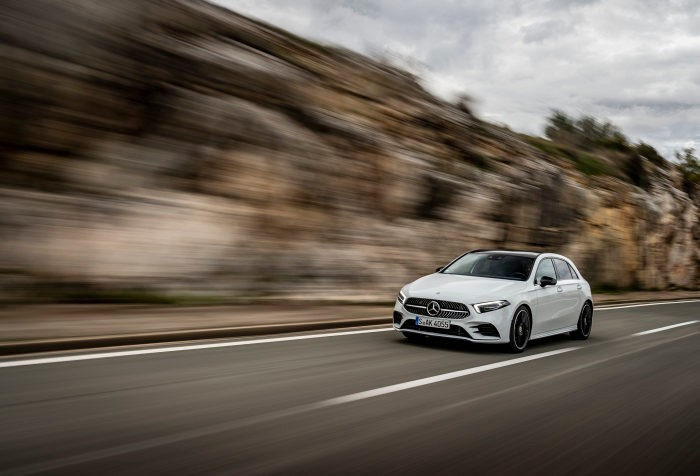 Mercedes-Benz A180 d AMG Line: Kraftstoffverbrauch kombiniert 4,5-4,1 l/100 km, CO2-Emissionen kombiniert 118-108 g/km*