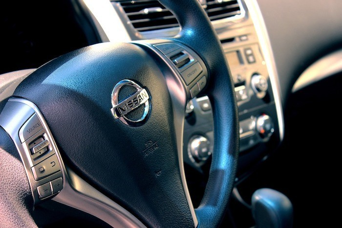 Nissan Lenkrad