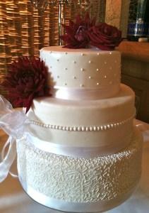 Torte-3Stock-klassisch-zeitlos-Hochzeit1