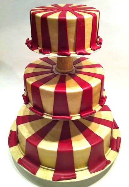 Hochzeitstorte Rot Gold Mobile Tortenwerkstatt