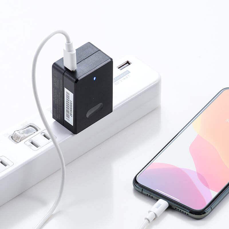 USB PD充電器「700-AC028」 電源タップが埋まらないコンパクトサイズ!USB Power Delivery規格の45W出力に対応したType ...