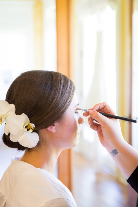 Bride gets ready at Blackwater Farms in Loxley, Alabama