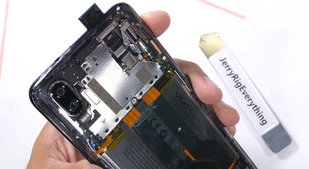 Vivo Nex' Kamera-Mechanismus ist clever und sieht mit durchsichtiger Rückseite so cool aus