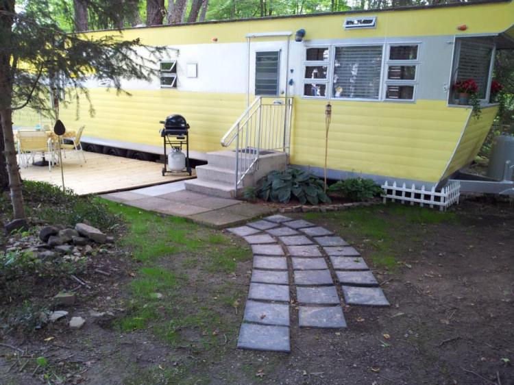 Smoker-Aritocrat-Vintage-Mobile-Home-Exterior-4 Retroing A Mobile Home on a kansas home, a rental home, a hong kong home, a lincoln home, a new york home, a split level home, a minimalist home, a arizona home, a simple home,