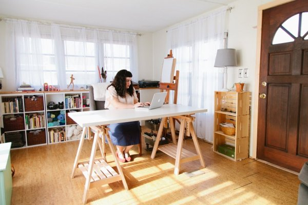 Simple Scandinavian Eclectic Mobile Home Makes Headlines