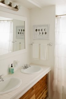 Modern Mobile Home Bathrooms