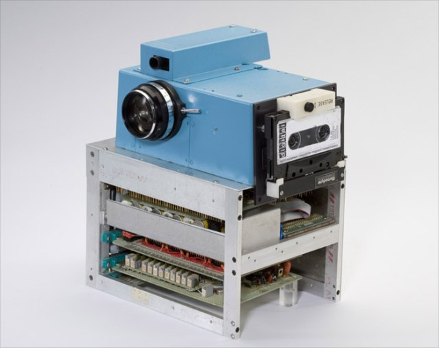 1st-digicam World's first digital camera from 1975 used cassette tapes