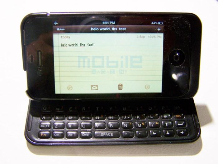 nuu-flip IFA: Mini Key keyboard from Nuu converts iPhone into a flipping clamshell