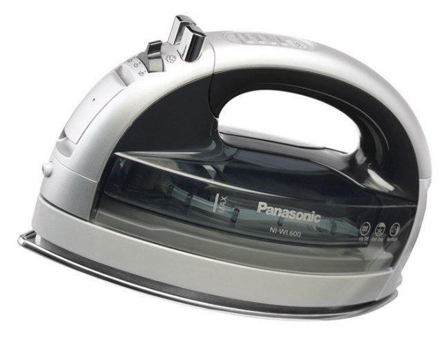 panasonic-NI-WL60-04 Panasonic 360° Freestyle cordless iron makes a great gift for Misses Tech