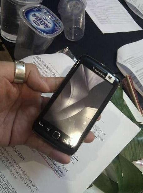 storm3 BlackBerry Storm 3 leaked
