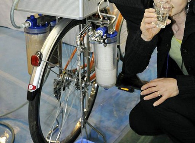cycloclean-water-purifying-bike-640x471 Bike Purifies Water While You Pedal
