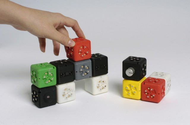 cubelets-640x423 Complex Robots Built Easy With Cubelets
