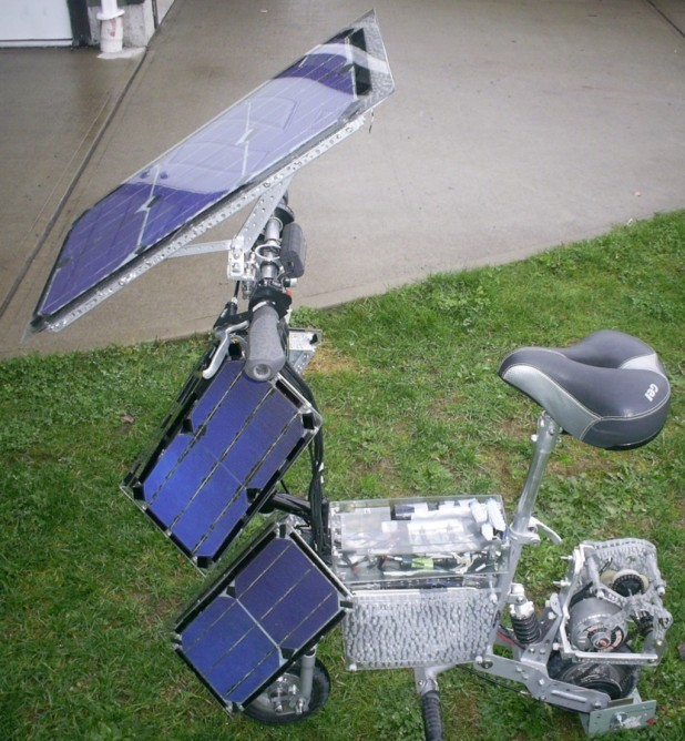kpv  KPV Electric Scooter Uses Solar Power, Fits in Suitcase