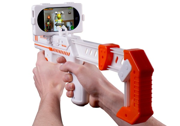 6-23-2011appblaster iPhone Wiimote-like rifle is an AR blasting Alien game