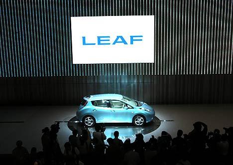Nissan-Leaf-EV-1 Nissan Screws up Leaf Orders