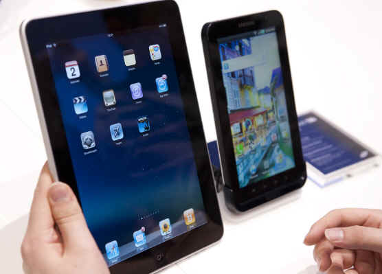 galaxy-tab-n-ipad-2 Galaxy Tab 10.1 banned from the EU