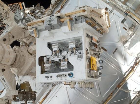 120309-nasa1  NASA and CSA Start Robot Refueling Mission Experiment