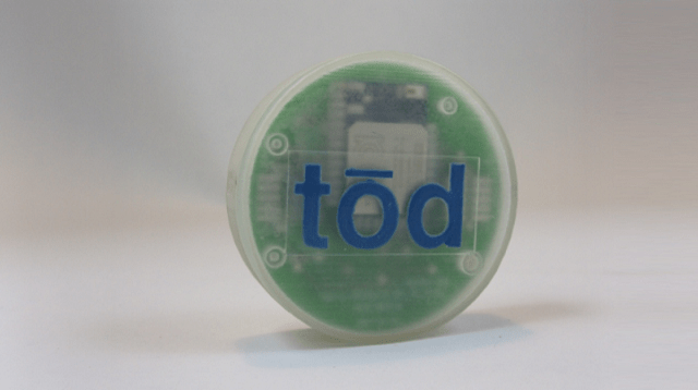 tod_beacon tōd: The Bluetooth 4.0 Beacon That Lets You Connect To The World Around You (Video)
