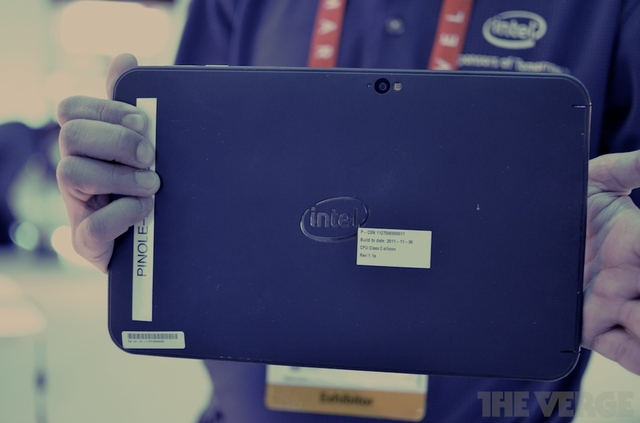 intel-tablet-clover-trail-verge-003_large_verge_medium_landscape Android-style Market Flood Set For Windows 8 Tablets