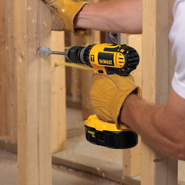 dewalt_deal-640x640 Save Over $300 on DEWALT DC725KA Cordless Hammer Drill