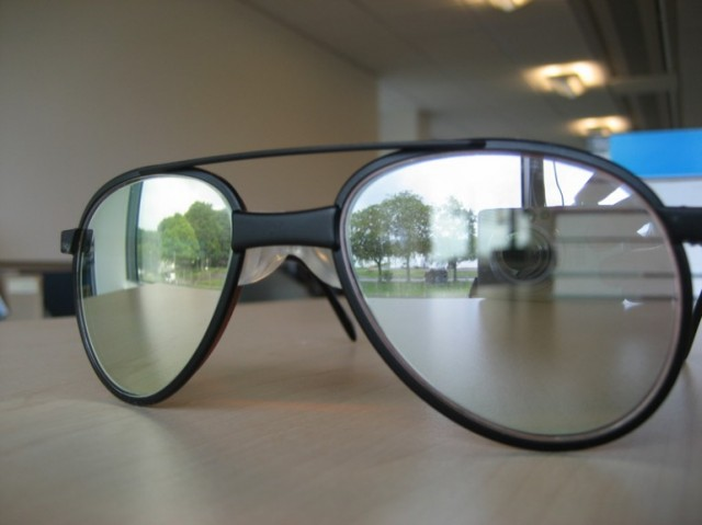 121015-laser-640x479 Anti-Laser Eyewear to Protect Pilots