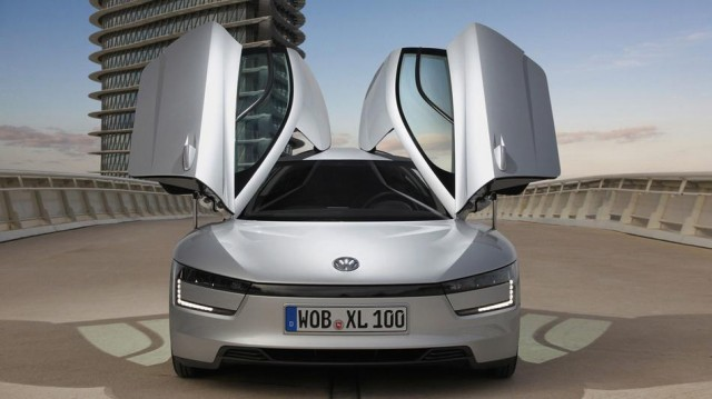 130226-vw-640x359 Volkswagen XL1 Hybrid Gets 261 MPG, Goes into Production