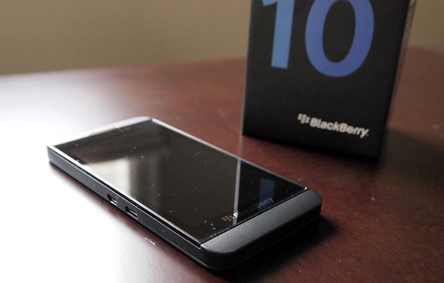 bb-z10-1 BlackBerry Z10 Smartphone Review