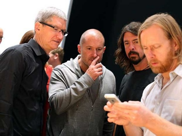 Tim-Cook-ios-AllThingsD Tim Cook Confirms Jony Ive is the Man Behind iOS 7