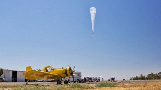 130809-loon Google Tests Project Loon Internet Balloons in California