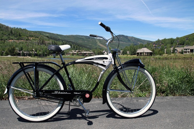 Schwinn-Classic-Deluxe-7 Schwinn Prepares For 120th Anniversary In Retro Style With Its 2015 Range Of Bikes