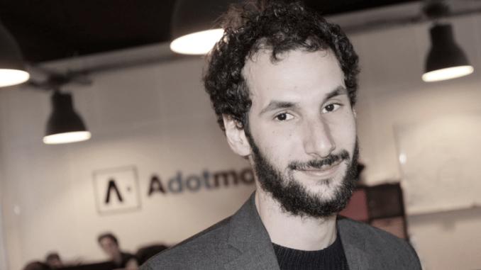 Yannis Yahiaoui, Adotmob