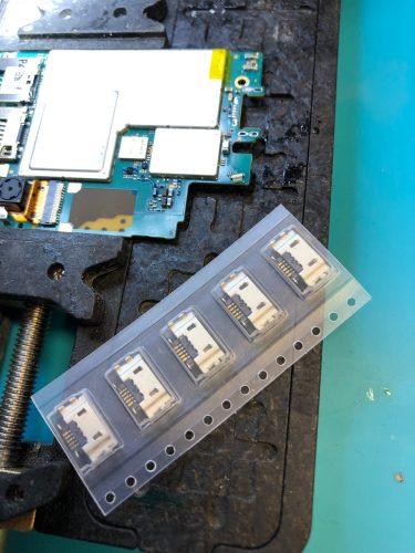 XperiaZ3 充電不良 USBコネクタ修理