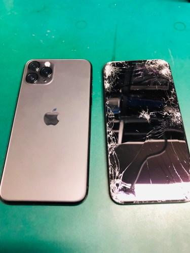 iPhone 11Pro 画面割れ修理 タッチが一部反応しない
