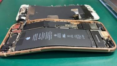 iPhone8 基板修理 本体が変形して電源が入らない状態からのデータ復旧