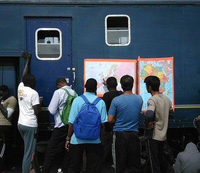 Donem mòbils per a persones refugiades i desplaçades