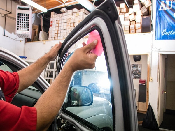 Different Types of Mobile Window Tint in Montpelier, Vermont