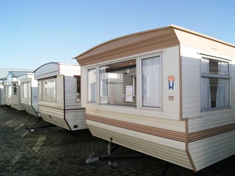 mobilheim chalet gebraucht kaufen mobile homes kaufen verkaufen inserate und kleinanzeigen. Black Bedroom Furniture Sets. Home Design Ideas
