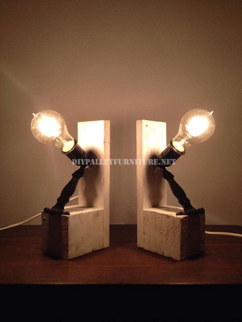 Lampade da comodino realizzati con palletMobili con Pallet  Mobili con Pallet