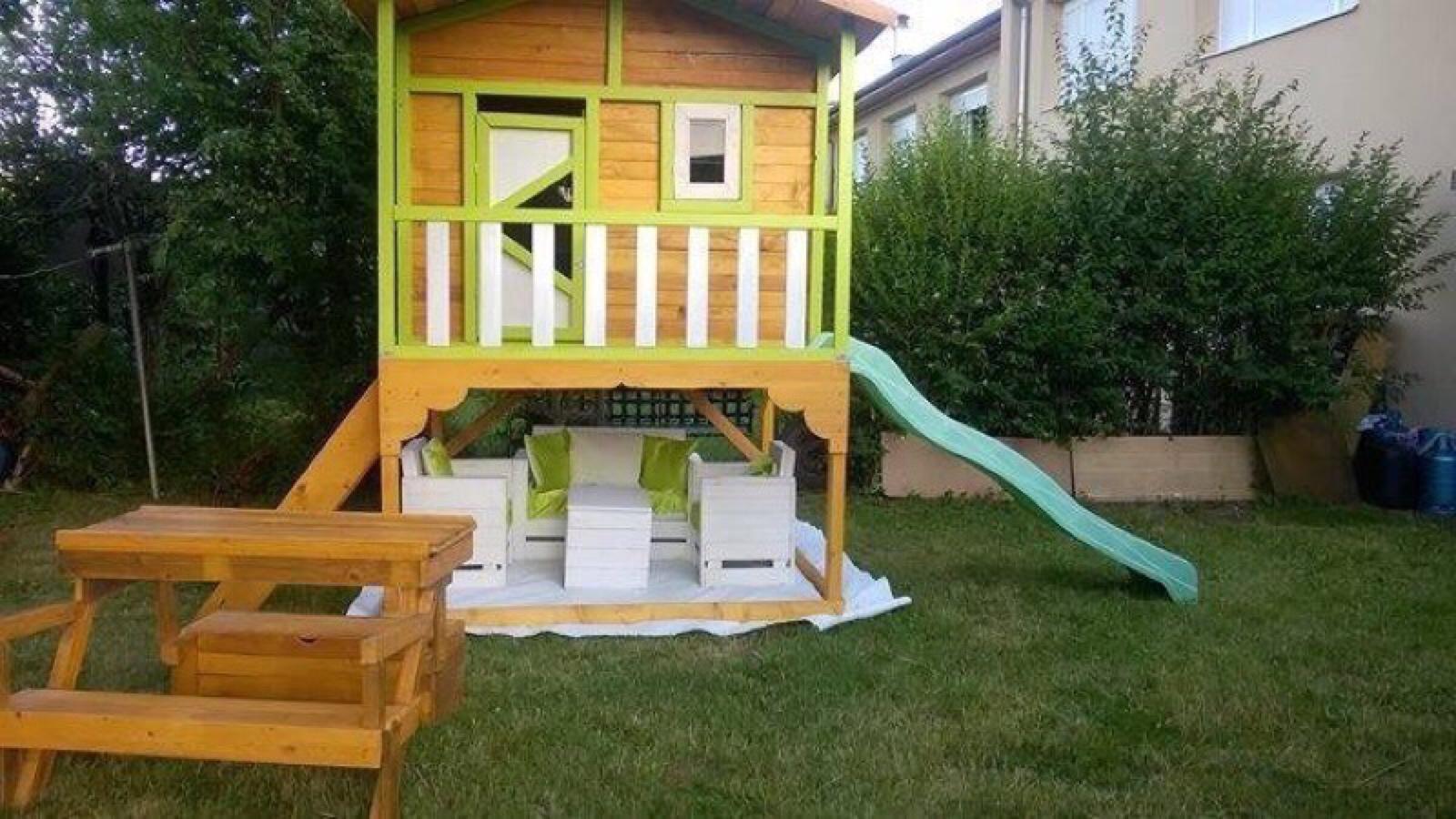 Piccola casetta da giardino per i bambiniMobili con Pallet