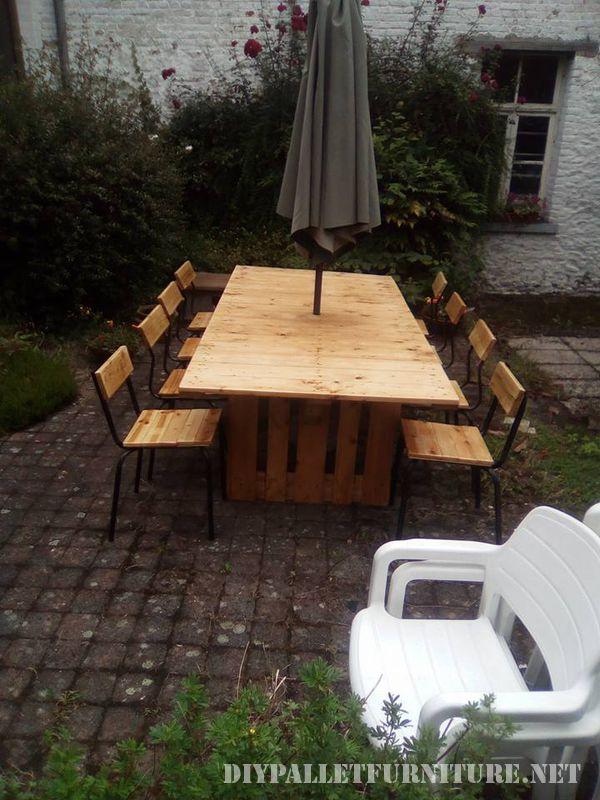 Tavolo e sedie da giardino gazebo con palletMobili con