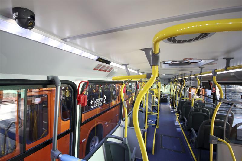 câmeras nos ônibus