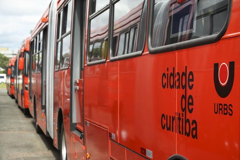 Novos ônibus para Curitiba