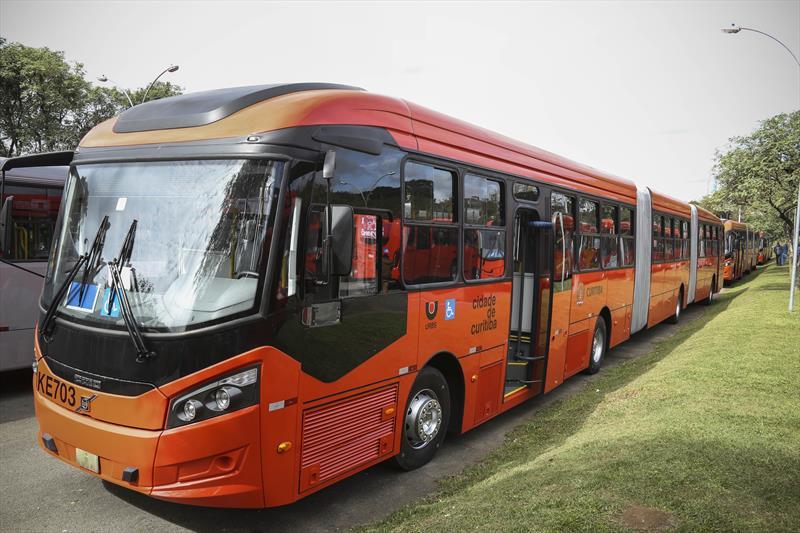 Novos ônibus para a cidade
