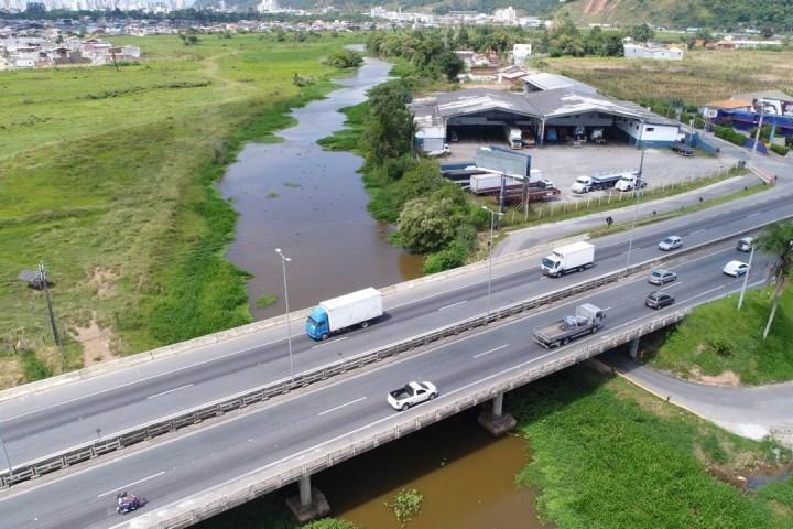 Ponte sobre o Rio Itajaí-Mirim