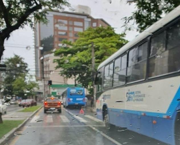 Ônibus Avenida Mauro Ramos