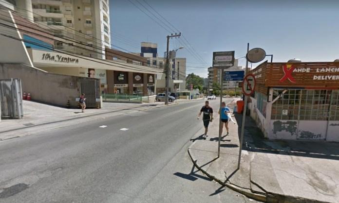 Rua Lauro Linhares na Trindade