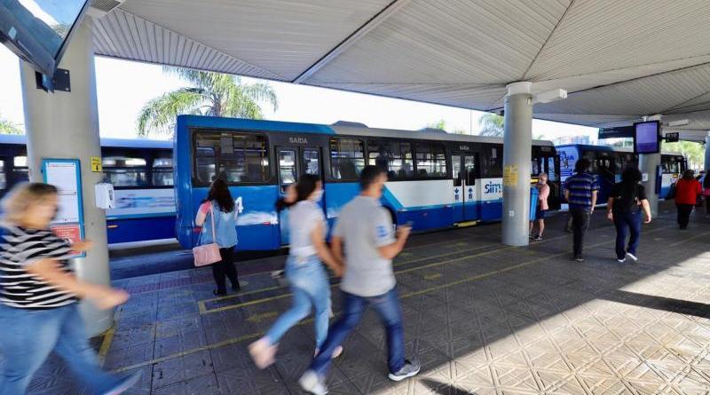 Passageiros Terminal de Ônibus